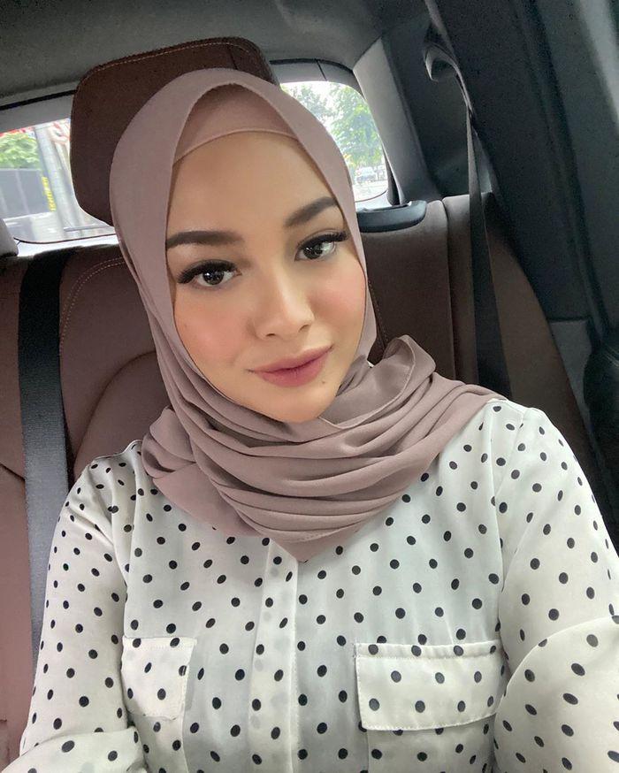 Penampilan berbeda Aurel Hermansyah kenakan hijab yang justru dijodoh-jodohkan dengan Youtubers Atta Halilintar berbeda Aurel Hermansyah kenakan hijab yang justru dijodoh-jodohkan dengan Youtubers Atta Halilintar