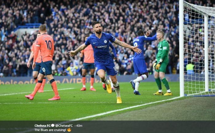 Selebrasi Olivier Giroud usai membobol gawang Everton pada laga di Stamford Bridge, Minggu (8/3/2020).