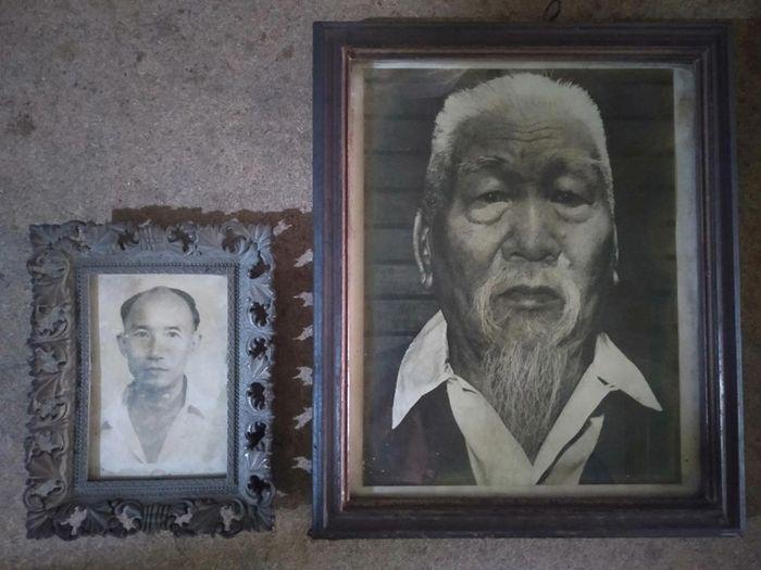 Foto Kakek Guru dari Tan Pek Hau yaitu  Chie Siauw Fu (kanan) dan Gurunya Oey Pek Siong (kiri).