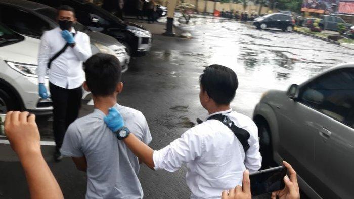 R, siswa SMA di Tasikmalaya yang menggondol Yamaha FreeGo, Toyota Yaris serta Honda CR-V milik mantan Kapolda Jabar