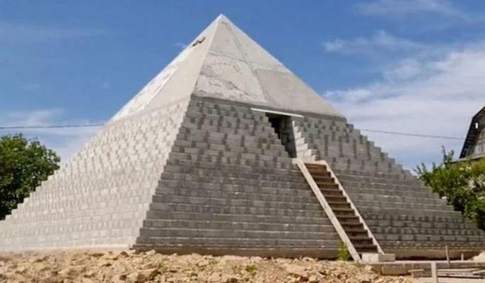 Piramida di Istinka.