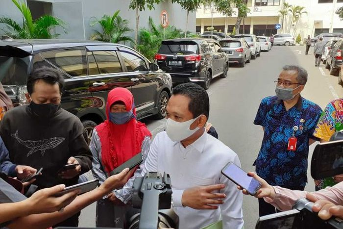 Bupati Lumajang Thoriqul Haq menghadiri pemeriksaan di Mapolda Jatim, Kamis (9/7/2020)