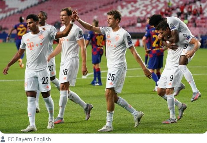 Para pemain Bayern Muenchen merayakan gol yang dicetak ke gawang Barcelona dalam laga perempat final Liga Champions di Estadio do Sport Lisboa e Benfica, Jumat (14/8/2020).