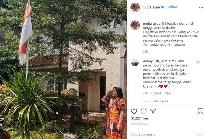 Mutia Ayu jadi sorotan netizen usai pamer foto saat hormat ke bendera mengenakan daster Instagram @mutia_ayuu