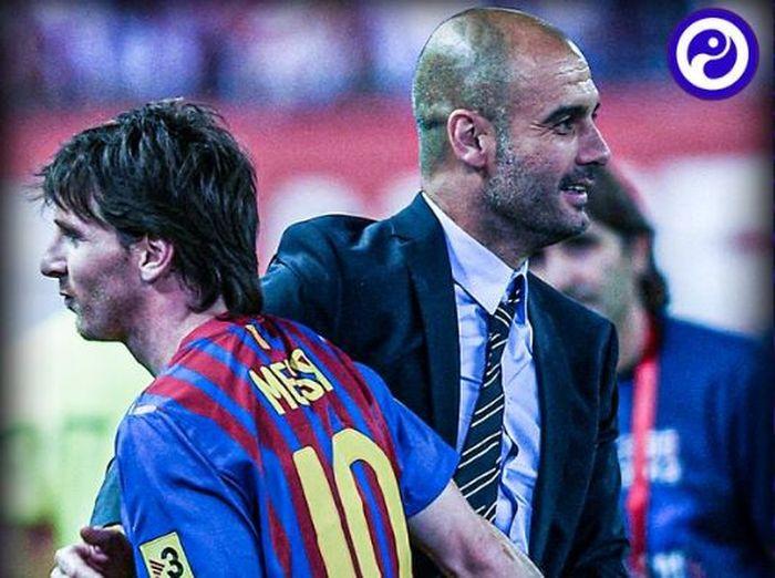 Lionel Messi dan Pep Guardiola sama-sama tersenyum saat membela Barcelona.