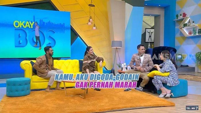Nindy Ayunda sebagai bintang tamu acara Okay Bos yang dibawakan oleh Raffi Ahmad dan Nagita Slavina