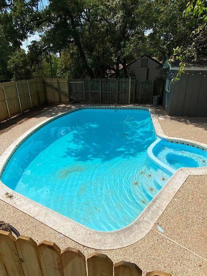 Beginilah penampakan kolam tersebut.