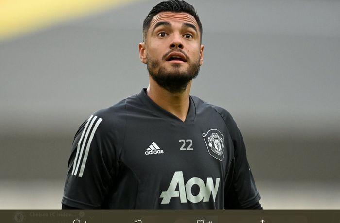 Kiper Manchester United, Sergio Romero, dikabarkan minta dilepas oleh klub setelah gagal pindah di detik-detik akhir penutupan bursa transfer musim panas 2020.