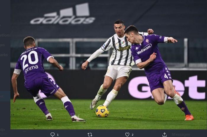 Cristiano Ronaldo beraksi dalam duel Juventus vs Fiorentina di Liga Italia, 22 Desember 2020.