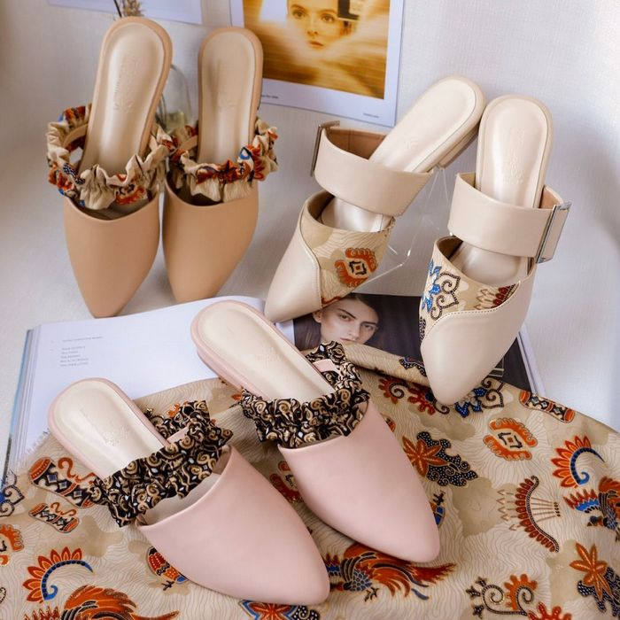Mules Shoes - Manise Indonesia