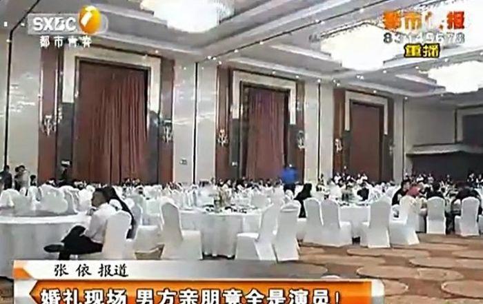 Suasana pernikahan Wang dan Xiaoli yang dihadiri 200 tamu bayaran.