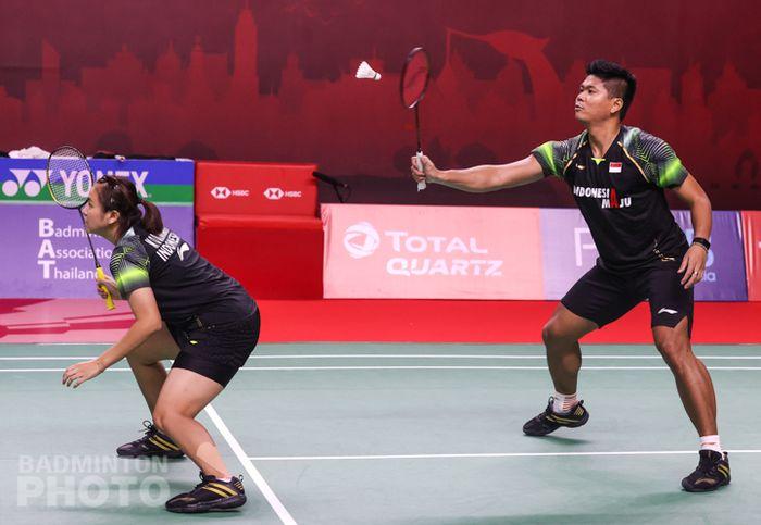 Pasangan ganda campuran Indonesia, Praveen Jordan/Melati Daeva Oktavianti, saat menjalani laga perempat final Thailand Open I 2021 di Impact Arena, Bangkok, Thailand, Jumat (15/1/2021).