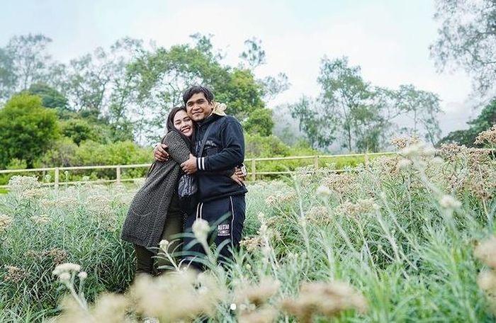 Mael Lee dan Intan Ratna Juwita