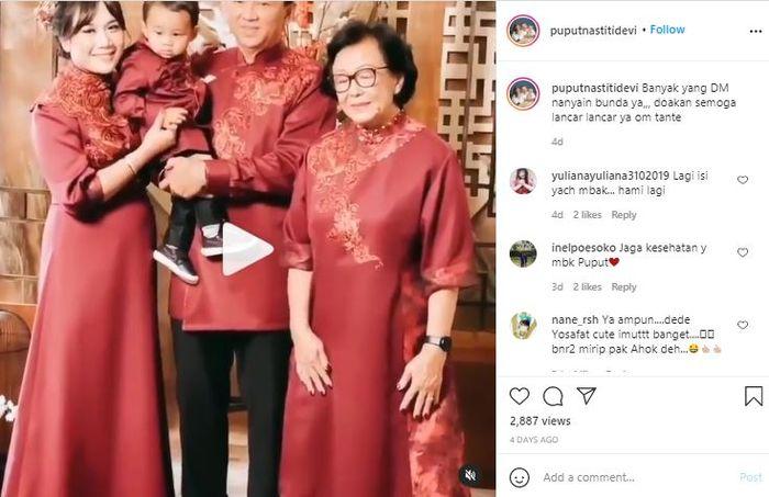 Puput Nastiti Devi pemotretan keluarga bareng suami dan mertua