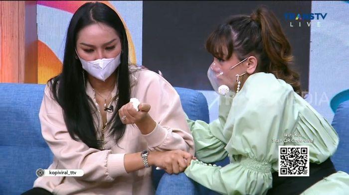 Celine Evangelista meminta maaf pada Kalina Ocktaranny.