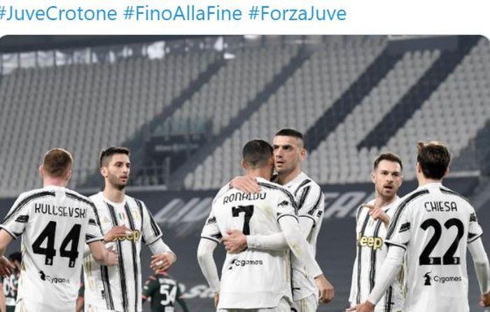 Para pemain Juventus merayakan gol yang dicetak oleh Cristiano Ronaldo dalam laga Liga Italia kontra Crotone di Stadion Allianz, Senin (22/2/2021).