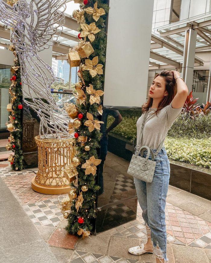 Pemeran Michelle Di Ikatan Cinta Kenakan Tas Mungil Mirip Punya Amanda Manopo Milik Siapa Yang Harganya Lebih Fantastis Semua Halaman Stylo