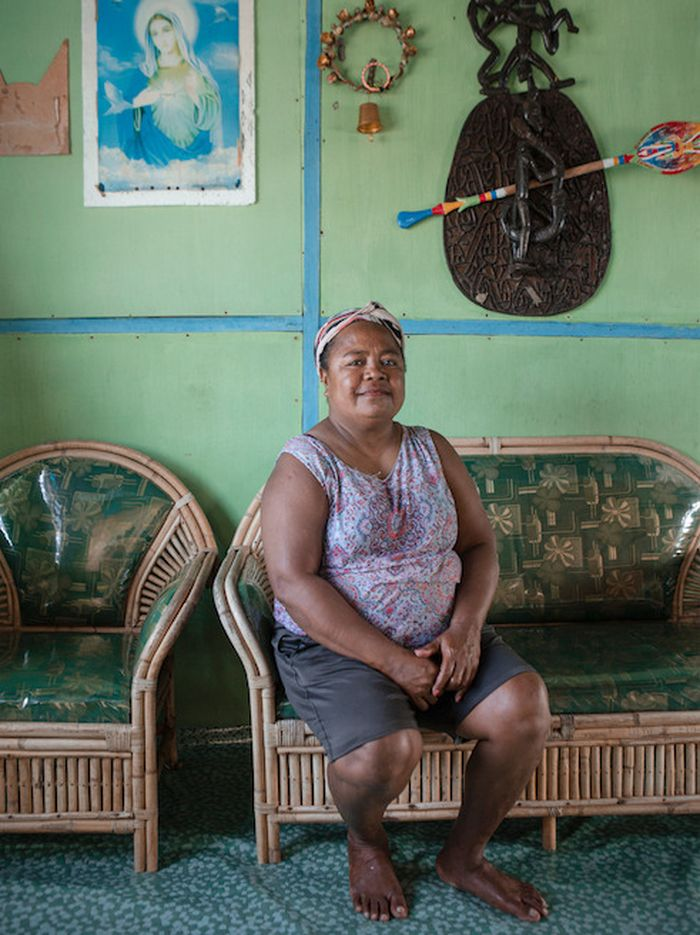 Yopince Hanasbey (51), a resident of Kampung Enggros and an elementary school teacher.  Together with other women, he used to look for shells in the Women's Forest, Youtefa Bay.