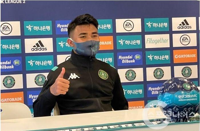 Asnawi Mangkualam dalam konferensi pers sesuai membantu Ansan Greeners menang atas Yangpyeong FC, Minggu (28/3/2021).