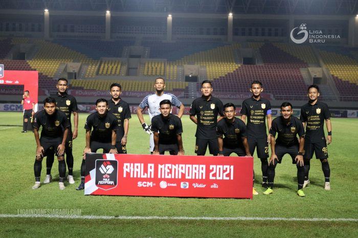 Skuad PSIS Semarang saat menghadapi Arema FC pada laga pamungkas Grup A Piala Menpora 2021.