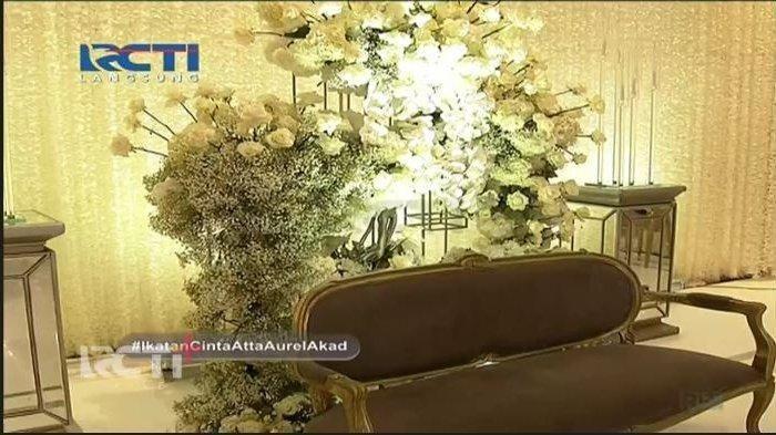 Dekorasi pelaminan di akad nikah Atta Halilintar dan Aurel Hermansyah, Sabtu (3/4/2021)
