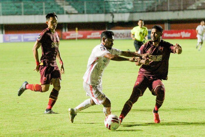 PSM Makassar vs Persija Jakarta pada leg pertama semifinal Piala Menpora 2021 di Stadion Maguwoharjo, Sleman, Yogyakarta, Kamis (15/4/2021).