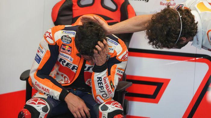 Pembalap Repsol Honda, Marc Marquez, bereaksi setelah finis pada MotoGP Portugal di Sirkuit Algarve, Portimao, Minggu (19/4/2021).