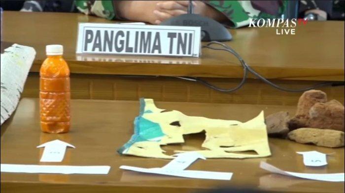 Temuan barang-barang serpihan dari kapal selam KRI Nanggala 402