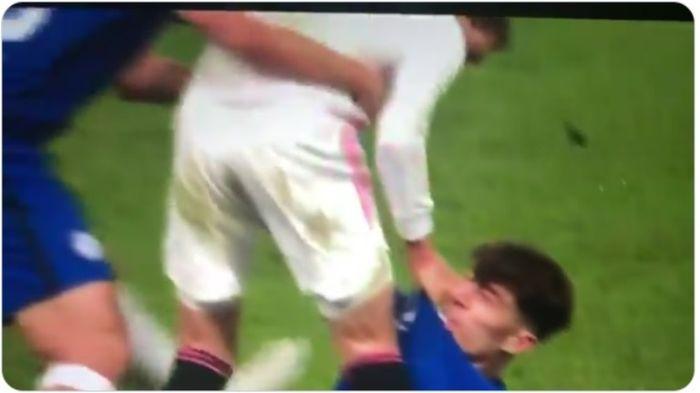 Pertengkaran antara Nacho dan Kai Havertz dalam duel Chelsea versus Real Madrid, Rabu (5/5/2021).