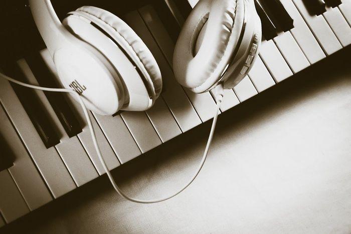 10 Genre Musik yang Paling Digemari di Dunia, Salah Satunya Ada dari  Indonesia - Semua Halaman - Kids
