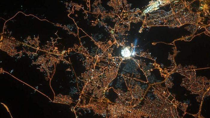 Fotos de la belleza de la ciudad de La Meca desde el espacio exterior.