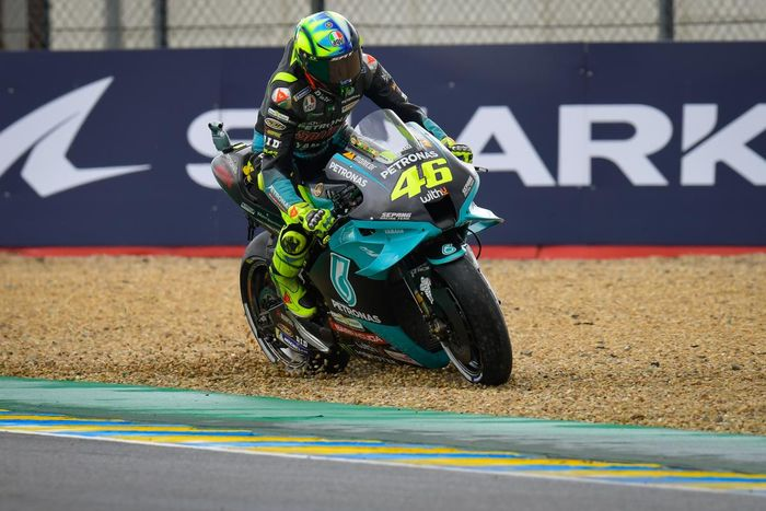 Pembalap Petronas Yamaha SRT, Valentino Rossi, pada seri balap MotoGP Prancis di Sirkuit Le Mans.