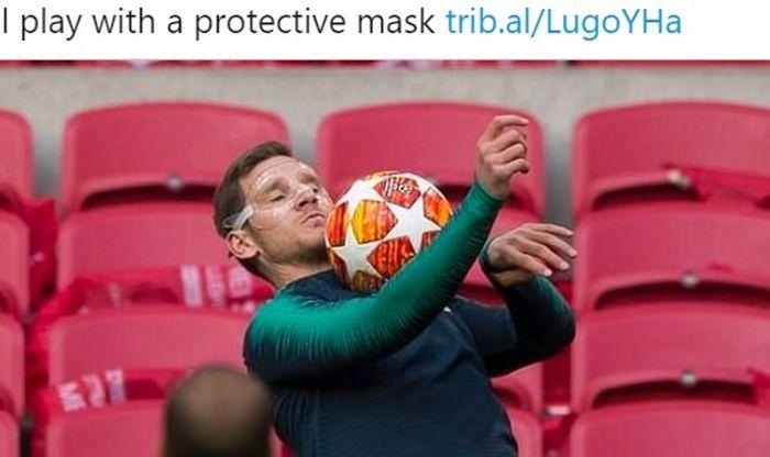 Pemain Benfica, Jan Vertonghen, menggunakan topeng pelindung saat masih memperkuat Tottenham Hotspur