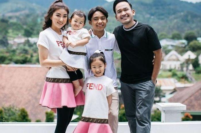 Keluarga Ruben Onsu dan Sarwendah