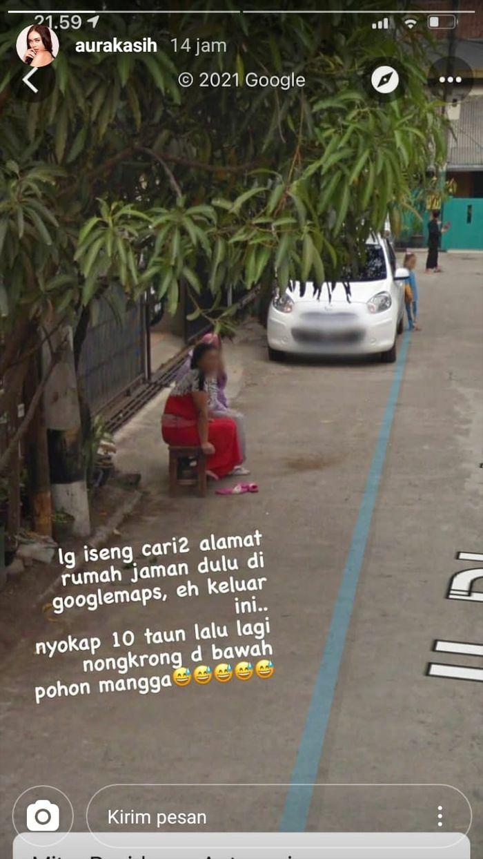 Aura Kasih iseng cari alamat rumah lama, temukan sang ibunda sedang duduk di pinggir jalan