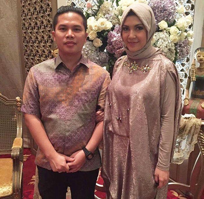 Ratna Galih dan sang suami