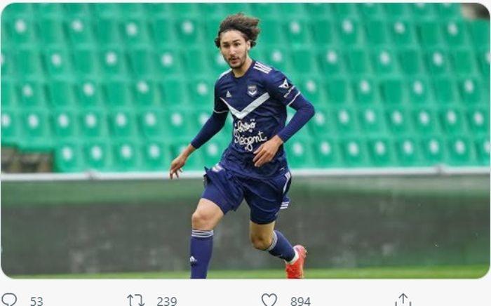 Gelandang serang Bordeaux yang dikaitkan dengan AC Milan, Yacine Adli.
