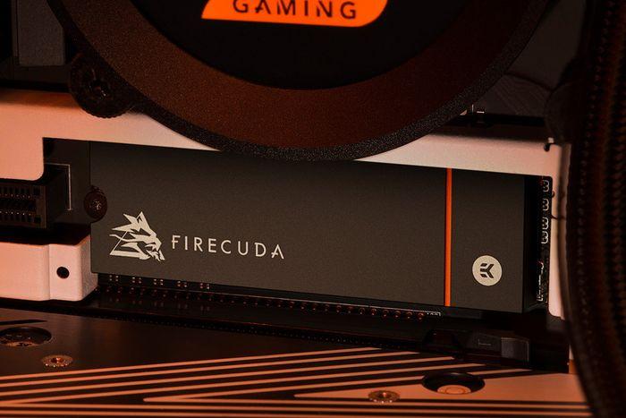 FireCuda 530 dengan heatsink
