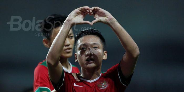 Selebrasi pemain tim nasional U-19 Indonesia, Syahrian Abimanyu, seusai mencetak gol ke gawang T