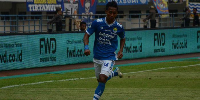 Gelandang Persib, Agung Mulyadi yang saat ini membela klub Liga 2, Blitar Bandung United.