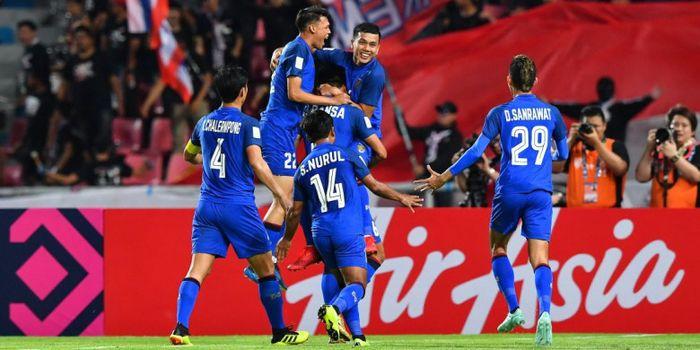 Pemain timnas Thailand merayakan selebrasi gol ke gawang Singapura Piala AFF 2018, Minggu (25/11/201