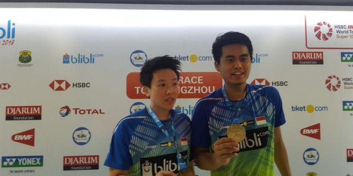 Pasangan ganda campuran Indonesia, Tontowi Ahmad/Liliyana Natsir sukses memenangi Indonesia Open 2018.