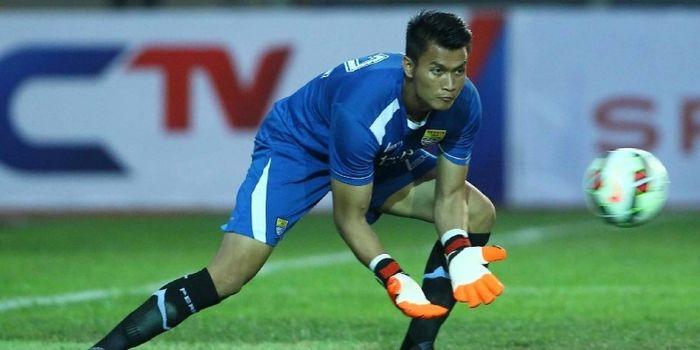 Kiper Mitra Kukar, Shahar Ginanjar, berlatih ketika masih memperkuat Persib Bandung.