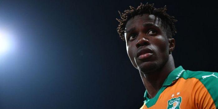 Pemain Pantai Gading, Wilfried Zaha, beraksi dalam laga persahabatan kontra Senegal di Stade Charlet