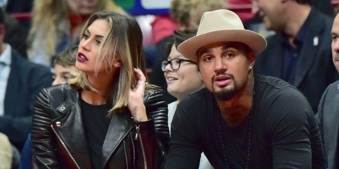 Kevin-Prince Boateng (kanan) dan kekasihnya, Melissa Satta, menyaksikan partai NBA antara Armani Mi