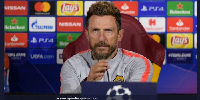 Pelatih AS Roma, Eusebio Di Francesco,posisinya terancam menyusul hasil buruk ketika Roma dibantai 1-7 oleh Fiorentina TWITTER.COM/ASROMAEN