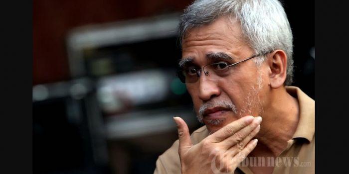Tanggapi aksi kerusuhan 22 Mei kemarin, musisi legendari Indonesia Iwan Fals angkat bicara meminta supaya dalangnya cepat ditangkap.
