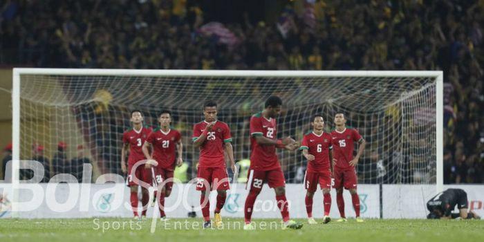 Reaksi para pemain timnas u-22 Indonesia pada laga semifinal SEA Games 2017 kontra Malaysia.