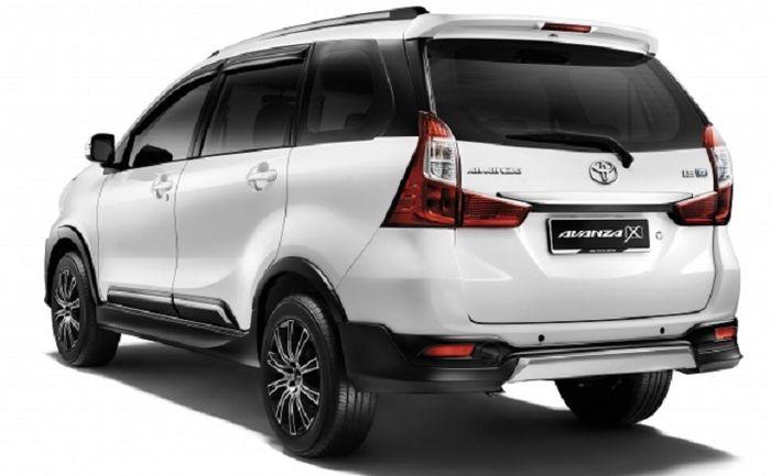 Tampilan belakang Toyota Avanza 1,5X
