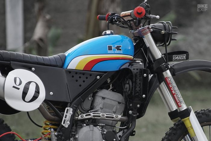 Kawasaki KLX250 custom vintage enduro dari Knuckle Whackjob